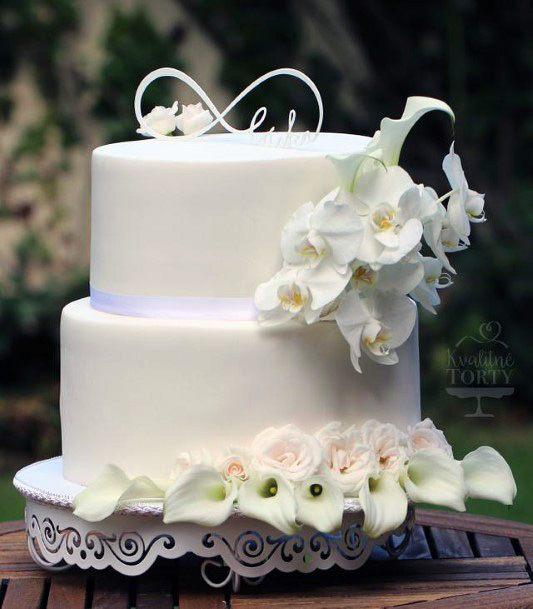 Polished White Elegant Wedding Cake Women