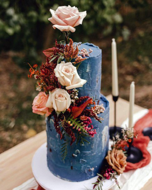 Pretty Blue Wedding Cake With Roses