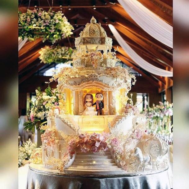 Princess And Prince Unique Wedding Cake