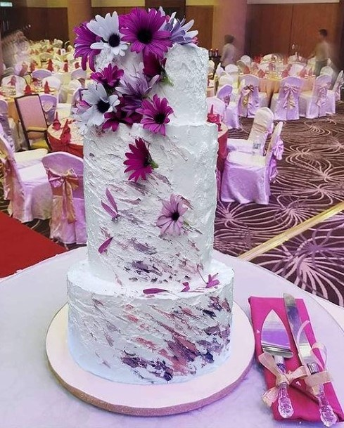 Purple And White Wedding Cake Floral