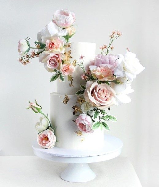 Realistic Roses On 2 Tier Wedding Cake