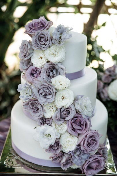 Realistic White And Lavender Roses On Cake Wedding Flowers