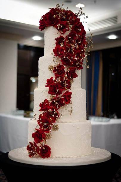 Red Flower Creepers On Wedding Cake