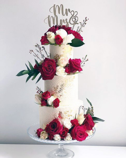 Red Roses On 3 Tier Womens Wedding Cake