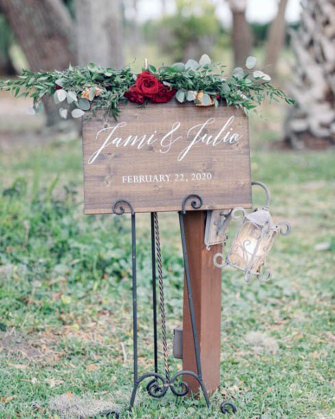 Red Wedding Rose Flowers Board