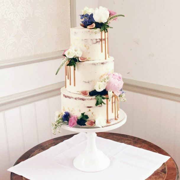 Refined White Marble Stoned Wedding Cake Stand Women
