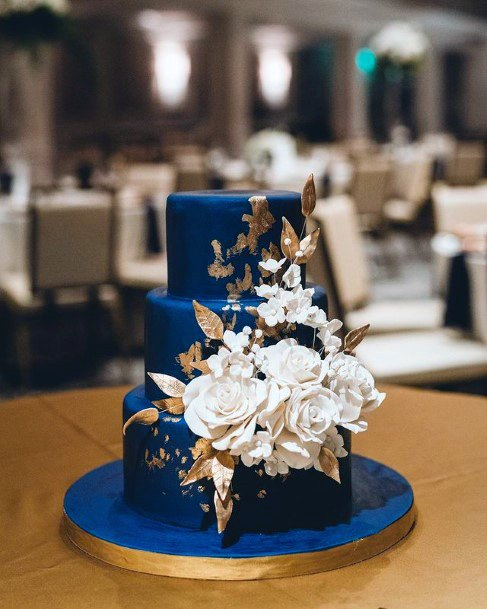 Regal Blue And White Flowers Wedding Cakes