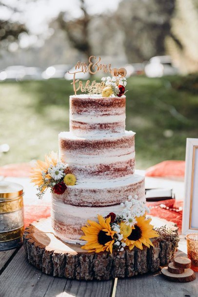 Rich Womens Wedding Cake With Sunflowers