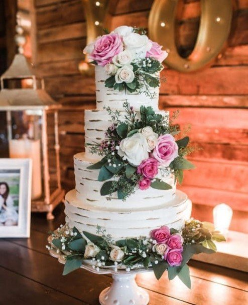 Roses On Country Wedding Cake