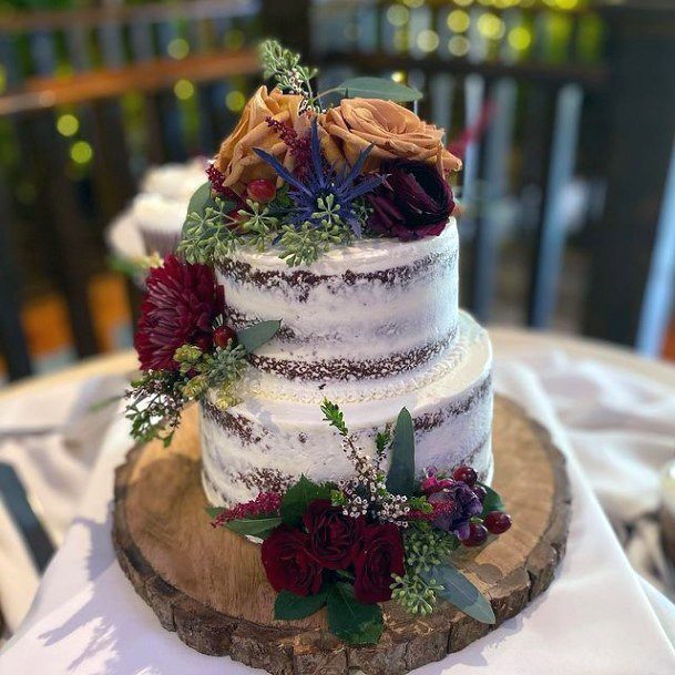 Roses On Fall Wedding Cakes Women