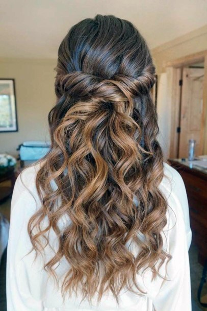 Scrunchy Wavy Long Hairstyle For Women