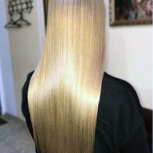 Sexy Straight Effortless Gloss Blonde Hairstyle For Women And Girls