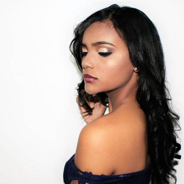Sheer Gold Womens Eyeshadow
