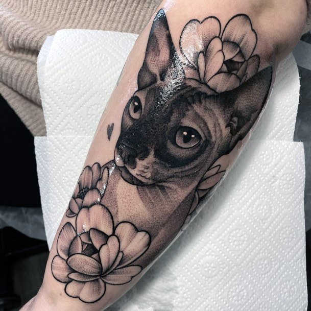 Shiny Black Cat Tattoo With Flowers For Women