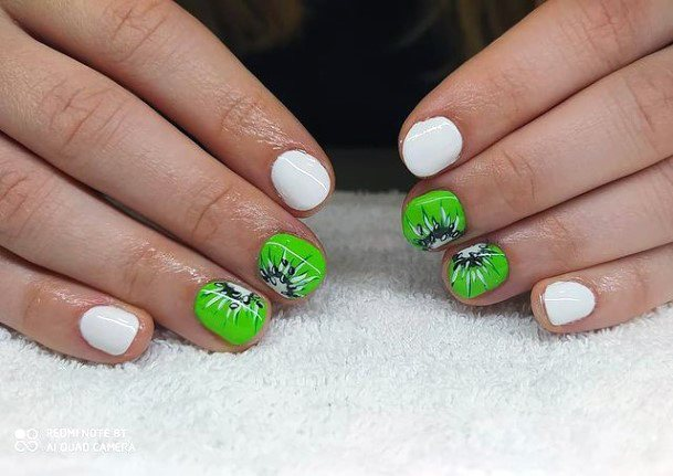 Short Kiwi Nails Women