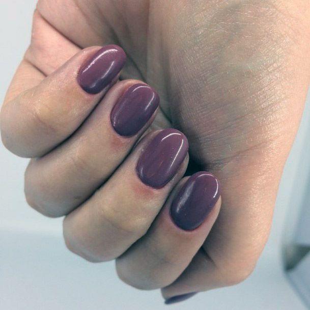 Short Magenta Nails Women