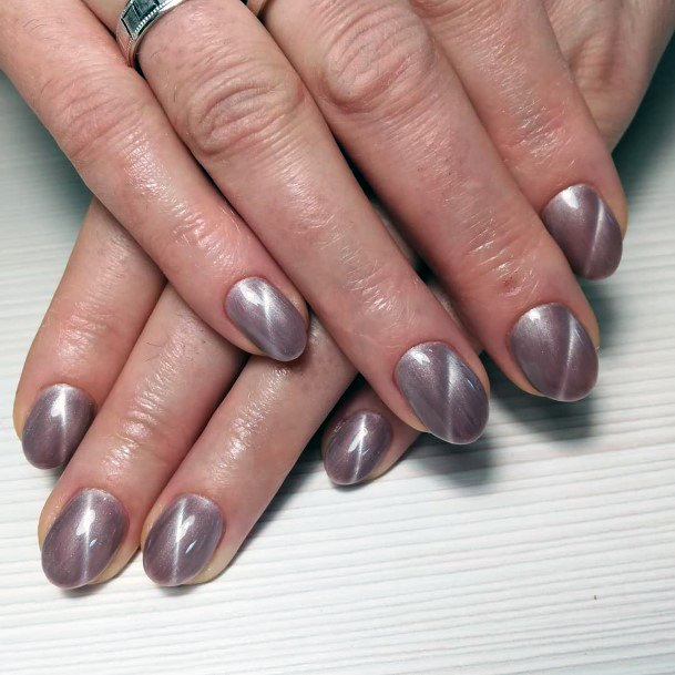 Silver With Lightening Streaks Cat Eye Nails