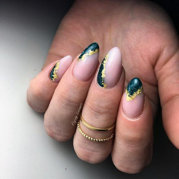 Simple Round Nails Green Gold Design