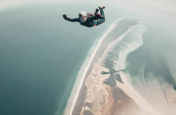 Skydiving Date Ideas That Thrill
