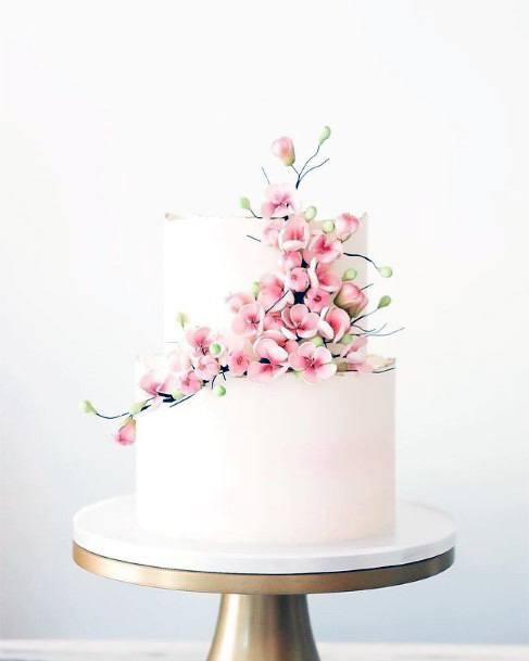 Sleek Wooden Base Wedding Cake Stand Women