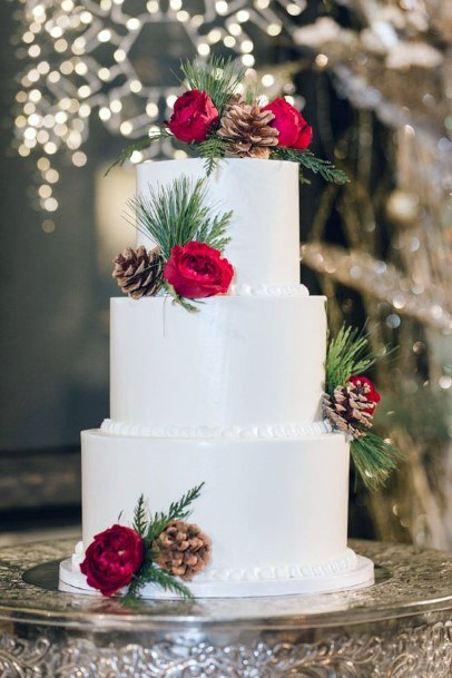 Smooth White Cake And Red Roses Christmas Wedding Flowers
