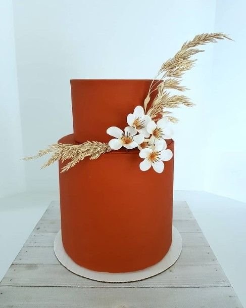 Smooth Woody Country Wedding Cake