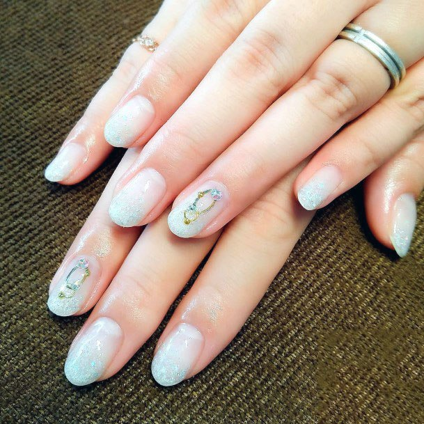 Sparkles White Gel Nail For Women