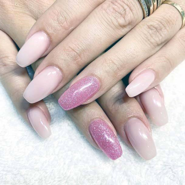 Sparkling Light Pink Nails Art