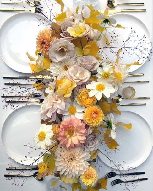 Splendid Yellow Flowers Wedding Table