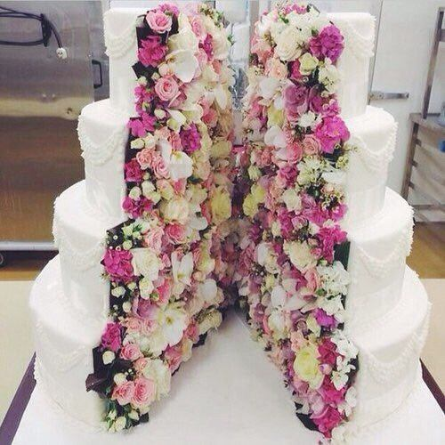 Split Open Flowers Wedding Cake Ideas