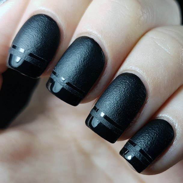 Sporty And Stylish Effect On Black Nails Women