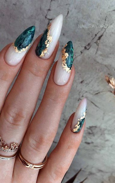 Stiletto Nails Women Green And Gold