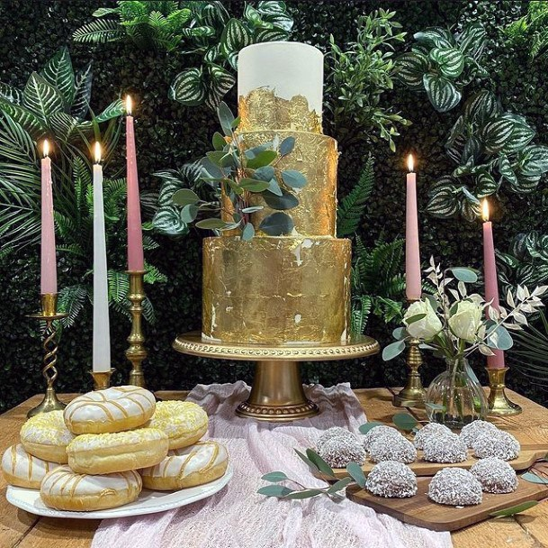 Striking Golden Wedding Cake