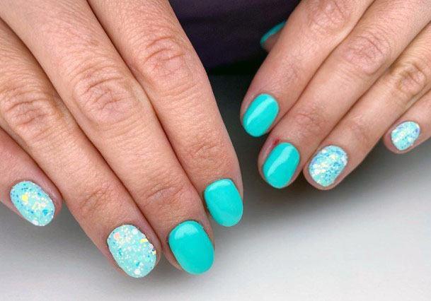 Striking Mint Shaded Nails Women