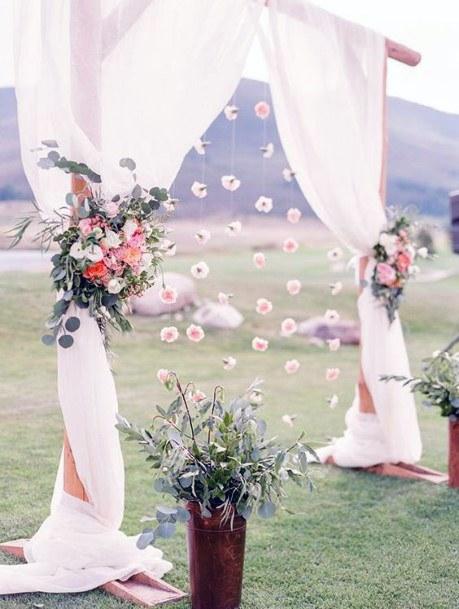 Stunning May Wedding Flowers Decor Ideas