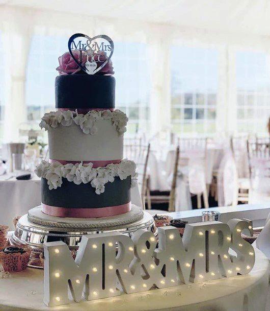 Stylish Wedding Cake Stand Women