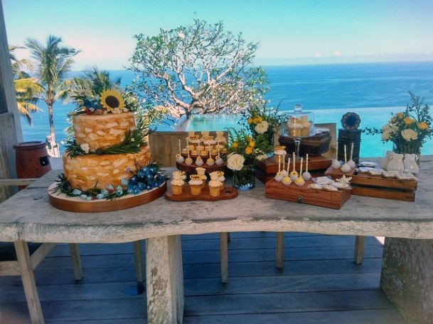 Sunflower Wedding Cake Womens Art
