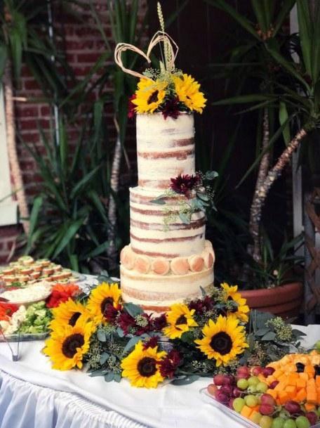 Sunflowers Adorned Wedding Cakes For Women
