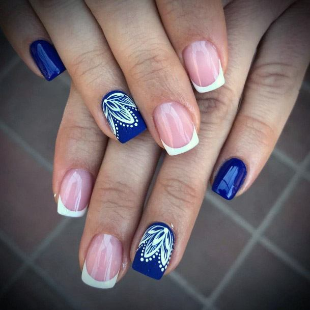 Ultramarine Blue Short Nails With Lace Women