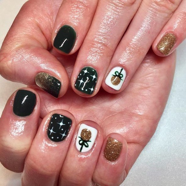 Very Short Green Gold Nails Women