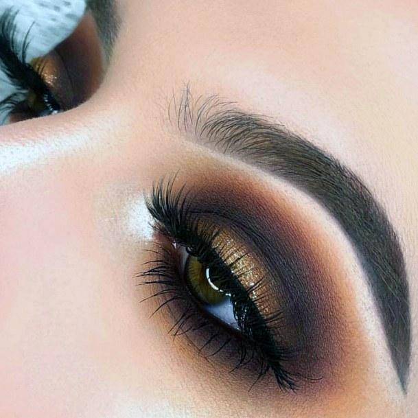 Vivid Gold And Brown Women Eyeshadow