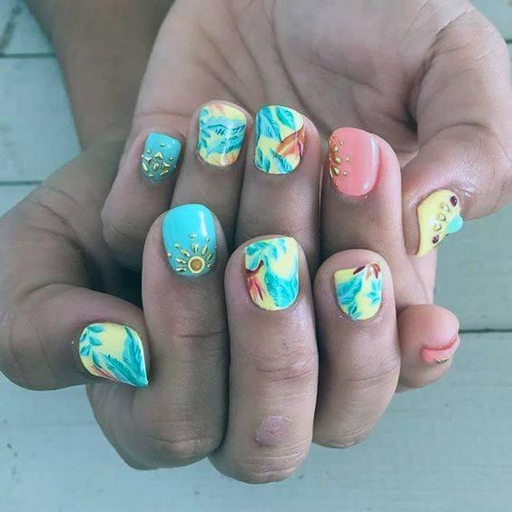 Vivid Sea Green Tropical Nails Women