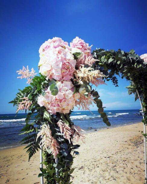 Warm Beach Wedding Flowers
