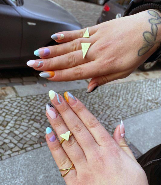 Wavy Colored Art Shellac Nails For Women