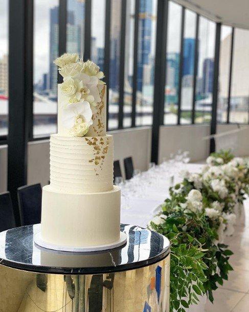 White Elegant Buttercream Wedding Cake