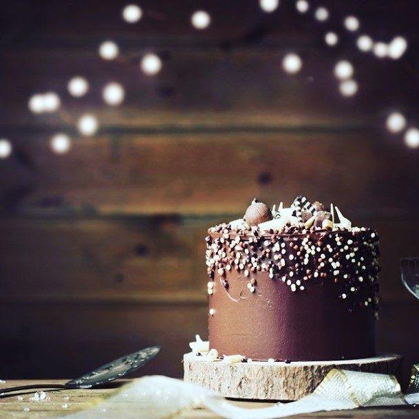 White Sprinkle Design Chocolate Wedding Cake