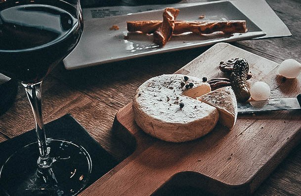 Wine And Cheese Second Date Ideas With A Fancy Touch