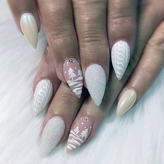 Winter Fir And Flakes White Sugar Nails Women