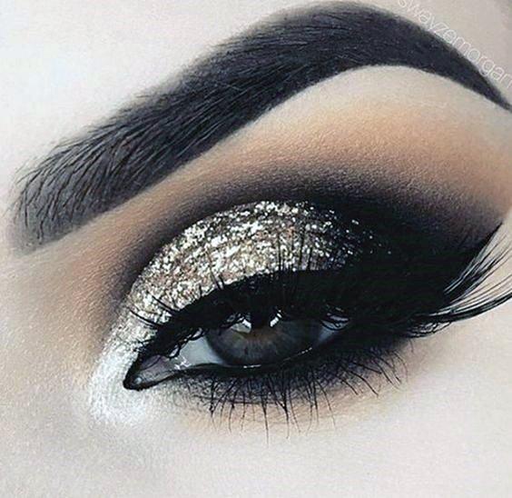 Women Tantalizing Brown Eyeshadow