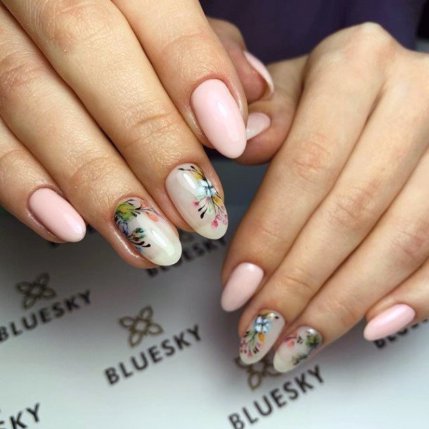 Womens Amazing April Nails